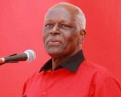 Anúncio de José Eduardo dos Santos abre diversos cenários no MPLA e em Angola