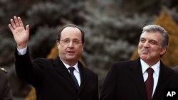 Tổng thống Thổ Nhĩ Kỳ Abdullah Gul trong buổi lễ tiếp đón Tổng thống Pháp Francois Hollande tại dinh tổng thống ở Ankara, Thổ Nhĩ Kỳ, 27/1/14