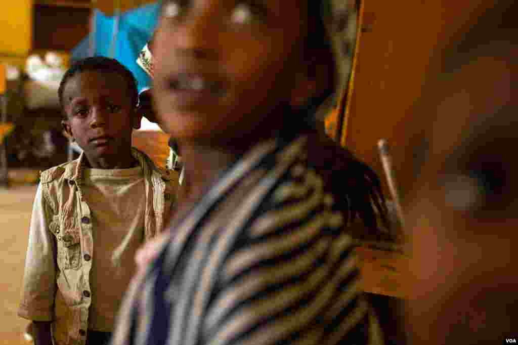 """UNICEF says, """"The magnitude and gravity of child rights violations taking place across Tigray show no sign of abating."""" (Yan Boechat/VOA)"""