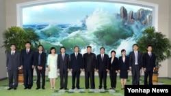 北韓領導人金正恩會晤中共中央對外聯絡部部長王家瑞