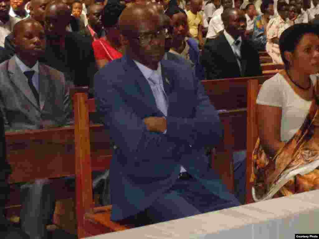 Waumini katika kanisa katholiki wakihudhuria ibada ya siku ya Umoja Burundi