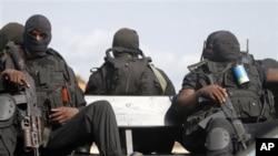 Forças especiais angolanas em Cabinda, em Janeiro passado, durante o CAN 2010 (AP Photo/Darko Bandic)