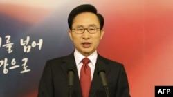 Ли Мен Бак