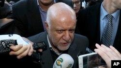 Iran's Minister of Petroleum Bijan Namdar Zangeneh speaks to journalists at a hotel in Vienna, Austria, Nov. 29, 2016.