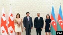 Prezident İlham Əliyev və xanımı Mehriban Əliyeva - prezident Mixeil Saakaşvili və xanımı Sandra Elizabet Rulofs.