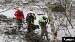 Rescatistas continúan en la búsqueda de víctimas, pero las probabilidades de encontrar más sobrevivientes es mínima. La cifra oficial de muertos es de 21 y desaparecidos 30.