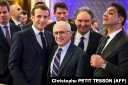 Fransa Cumhurbaşkanı Emmanuel Macron ve tarihçi Taner Akçam