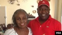 Ambuya Dorothy Masuka nemutori wenhau Ezra 'Tshisa' Sibanda.