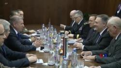 2019-02-12 美國之音視頻新聞: 蓬佩奧在匈牙利警告盟國當心華為