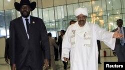南苏丹总统基尔(左)与苏丹总统巴希尔(资料照片)