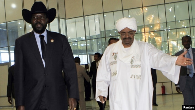 Sudan's President Omar al-Bashir (R) and his South Sudanese counterpart, Salva Kiir (file photo).
