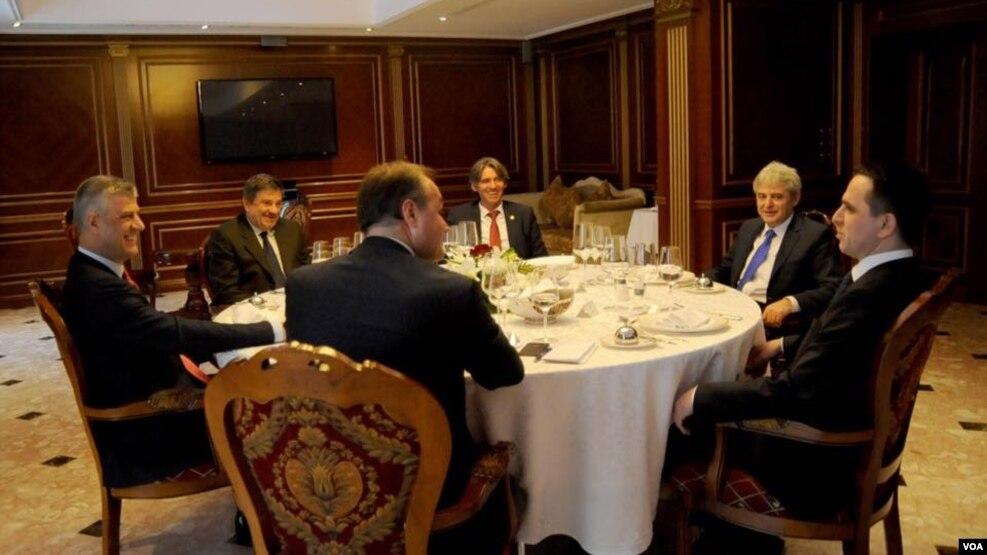 Thaçi takon drejtuesit e partive shqiptare të Maqedonisë