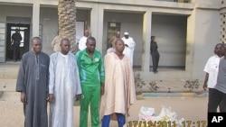 Wasu daga cikin wadan da ake zargin kungiyar Boko Haram da aka kama a Kano.