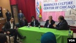Senator Dik Durbin (u sredini) u razgovoru sa lokalnim liderima Rohindža muslimana u Čikagu