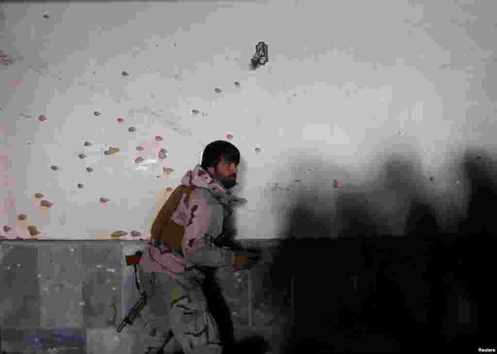 عینی شاہدین نے بتایا ہے کہ دھماکے کے وقت ثقافتی مرکز میں طلبہ کا ایک وفد ریسرچرز کے ساتھ پینل ڈسکشن میں مصروف تھا۔