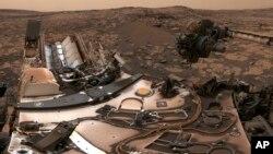 Xe tự hành Curiosity trên Sao Hỏa, ảnh do NASA công bố ngày 9/8/2018.