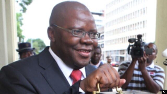 Ministan Kudin Zimbabwe Tendai Biti