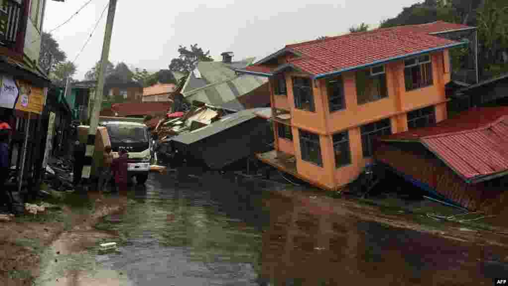 بارش اور سیلاب کی وجہ سے مکانات کو بھی شدید نقصان پہنچا۔