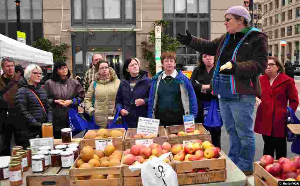 H Έμιλυ καλλιεργεί και πουλά τα καλυτερα μήλα και αχλάδια της περιοχής