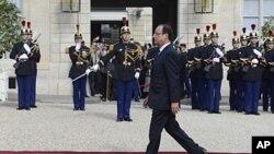 15일 파리 엘리제궁에서 열린 올랑드 대통령 취임식.