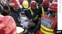 Pakistan'daki Bombalı Saldırıyı Taleban Üstlendi