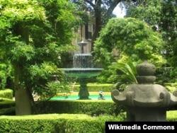 A Residential Garden in Charleston, South Carolina