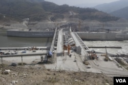 FILE: Lao's Xayaburi electricity dam construction is expected to be completed in late 2019. (Sun Narin/VOA Khmer)