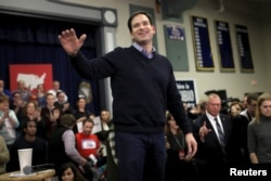 U.S. Republican presidential candidate Marco Rubio speaks at a town hall campaign rally in Derry, New Hampshire, Feb. 5, 2016.