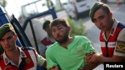 Hơn 30.000 người đã bị bắt, hầu hết trong số họ là người trong giới quân sự, giáo dục và tư pháp, sau cuộc đảo chính bất thành ở Thổ Nhĩ Kỳ.
