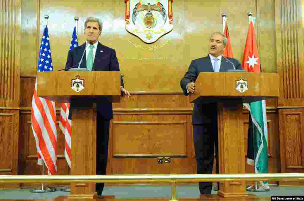 Jordanian Foreign Minister Nasser Judeh addresses reporters during a joint news conference with U.S. Secretary of State John Kerry following a meeting focused on Middle East issues in Amman, Jordan, on November 7, 2013.