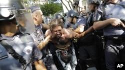 La prensa brasileña estimó en cerca de 4000 el número de manisfetantes.