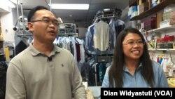 Bisnis laundry Bambang Suprijanto dan Dian Pantjarini di Philadelphia (VOA/Dian Widyastuti)