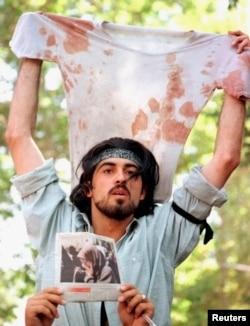 伊朗活动人士艾哈迈德·巴特比,伊朗1999年学生运动的代表人物