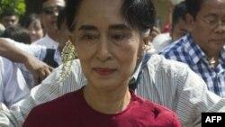 Shugabar adawa ta Myanmar wadda jam'iyyarta ta lashe zaben 'yan majalisar kasar.