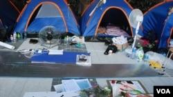 截至9月6日晚仍有十多位絕食者抗議香港當局推行洗腦國民教育