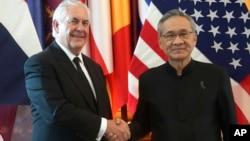 Госсекретарь США Рекс Тиллерсон и министр иностранных дел Таиланда Дон Прамудвинай