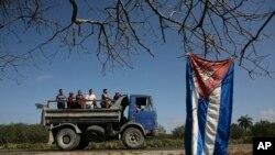 Nueve goberanadores estadounidenses ven vital abrir el mercado cubano para generar empleos agrícolas en Estados Unidos.