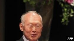 Ông Lý Quang Diệu, nhân vật thường được gọi là quốc phụ của Singapore (ảnh tư liệu, ngày 20 tháng 5, 2010)
