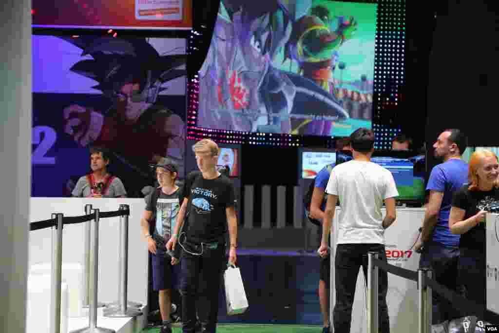کاراکترهای سه بعدی در بزرگترین نمایشگاه بازی های کامپیوتری جهان در کلن آلمان