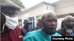 Zacharie Badiengila alias Ne Muanda Nsemi ku kiga c'igiporisi ku murwa mukuru Kinshasa. I Kinshasa, itariki 24/04/2020.