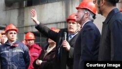 美驻华大使博卡斯在山西参观清洁煤技术项目。(图片由美国驻华大使馆提供)