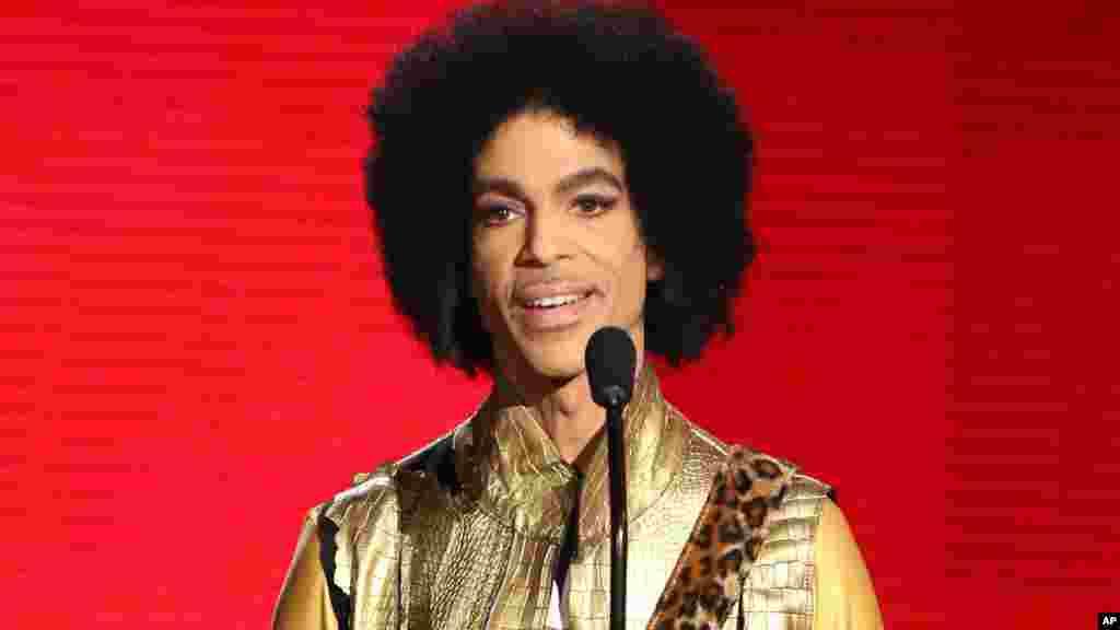 Prince nos American Music Awards, em Los Angeles, em Novembro de 2015.