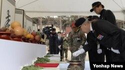 해병대 제1사단은 6일 경북 포항 도음산에 위치한 산림문화수련장에서 2015년 6·25 전사자 유해발굴 개토식을 열었다.