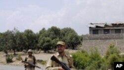 테러단속 작전을 펴는 파키스탄군