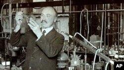 Leo Baekeland u laboratoriju