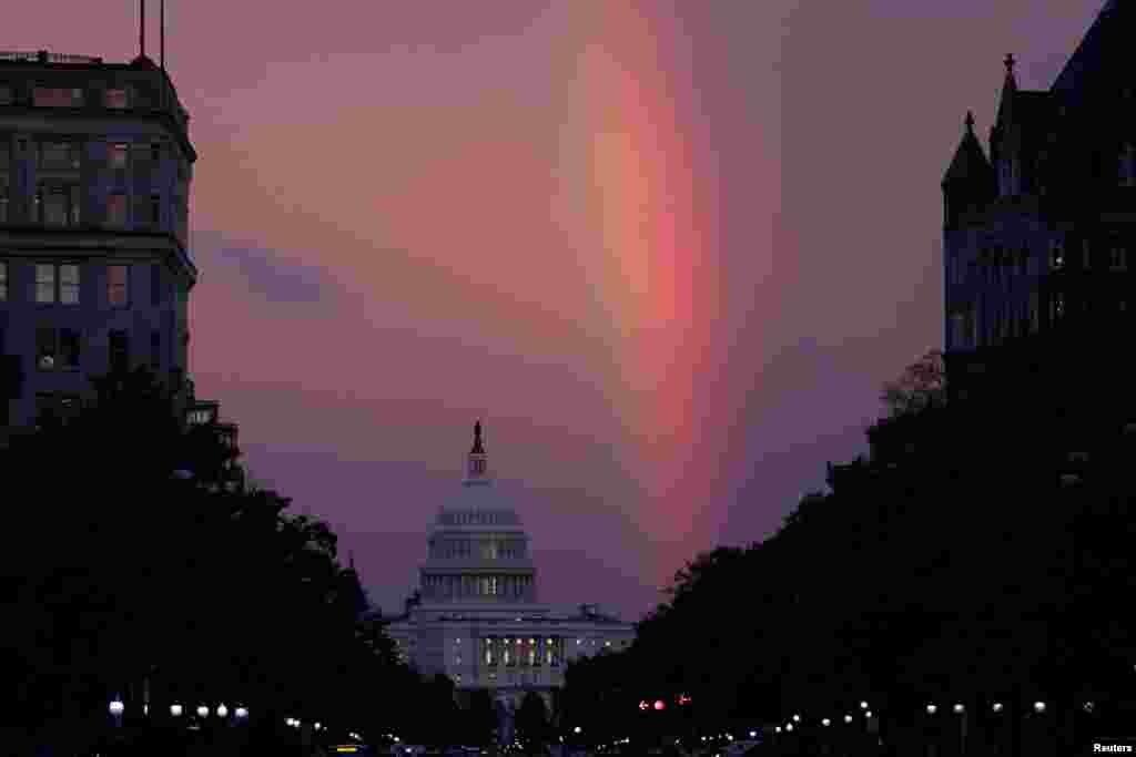 არჩევნების დღეს, 6 ნოემბერს კონგრესის თავზე ცისარტყელა გამოვიდა.