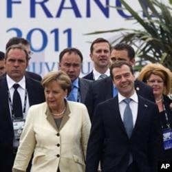 La chancelière allemande Angela Merkel et le président russe Dmitry Medvedev au sommet de Deauville