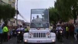 El papa Francisco recibido en Ecuador