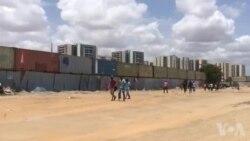 Manifestação de estudantes em Luanda repremida com tiros de balas reais