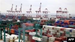 Cảng Thượng Hải đã vượt qua cảng Singapore để trở thành hải cảng nhộn nhịp nhất trên thế giới